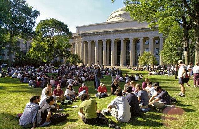 Как поступить в университет в США